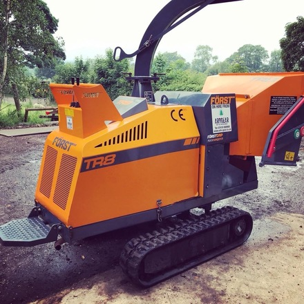 forest 8 inch tracked chipper