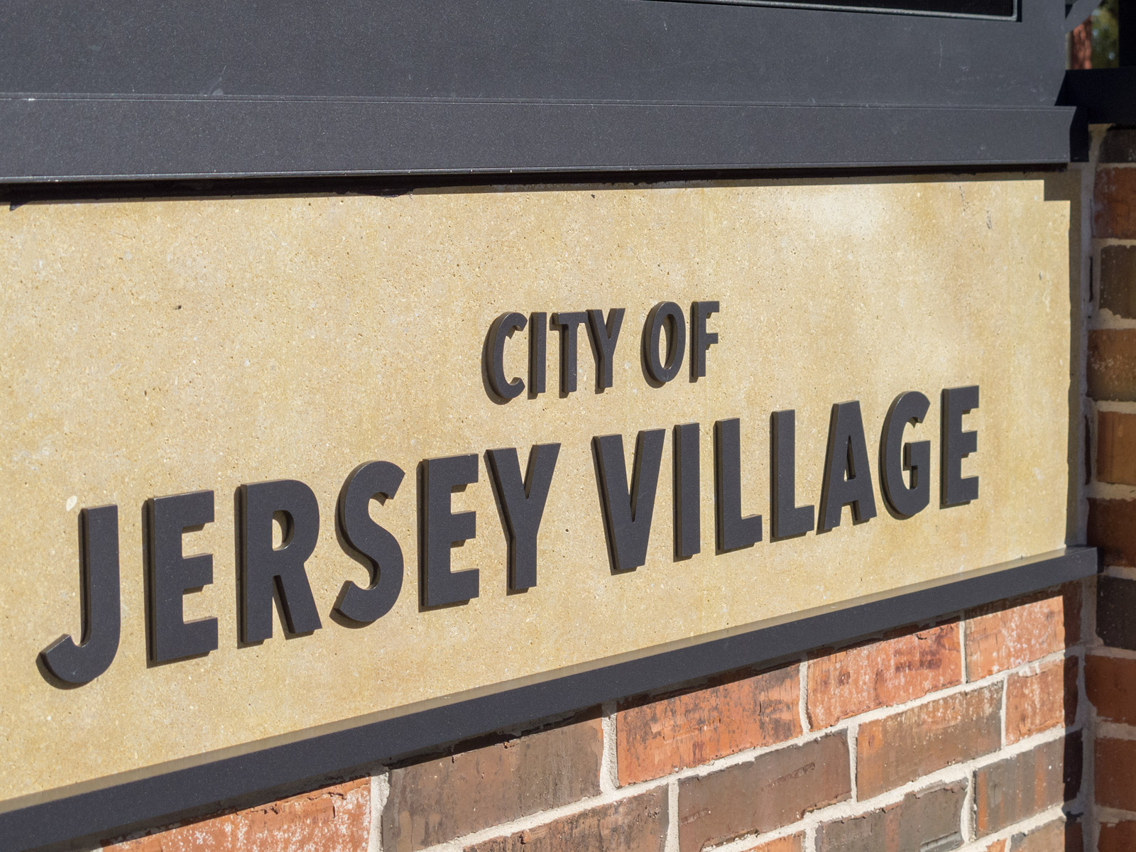 Custom dimensional aluminum letters on entry monument at City of Jersey Village