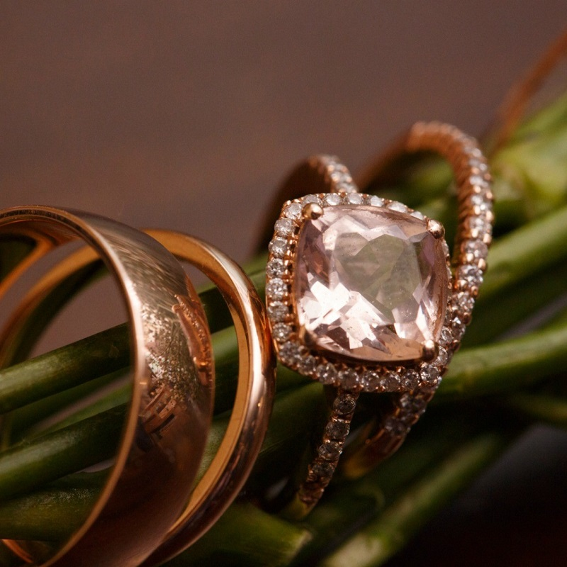 Detail shot of the couples wedding rings.