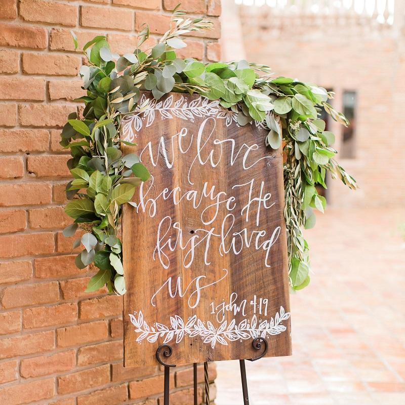 Gorgeous detail of their wedding day.
