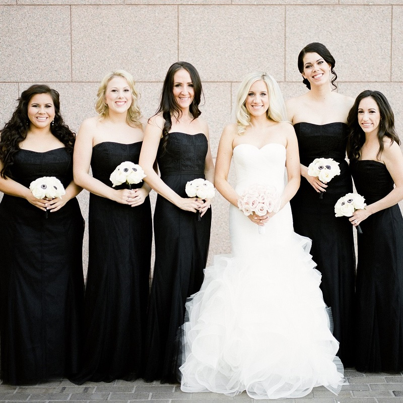 The beautiful bride and her bridesmaids.