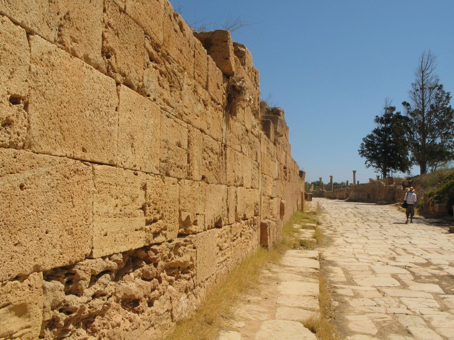 Leptis, Via Trionfale.