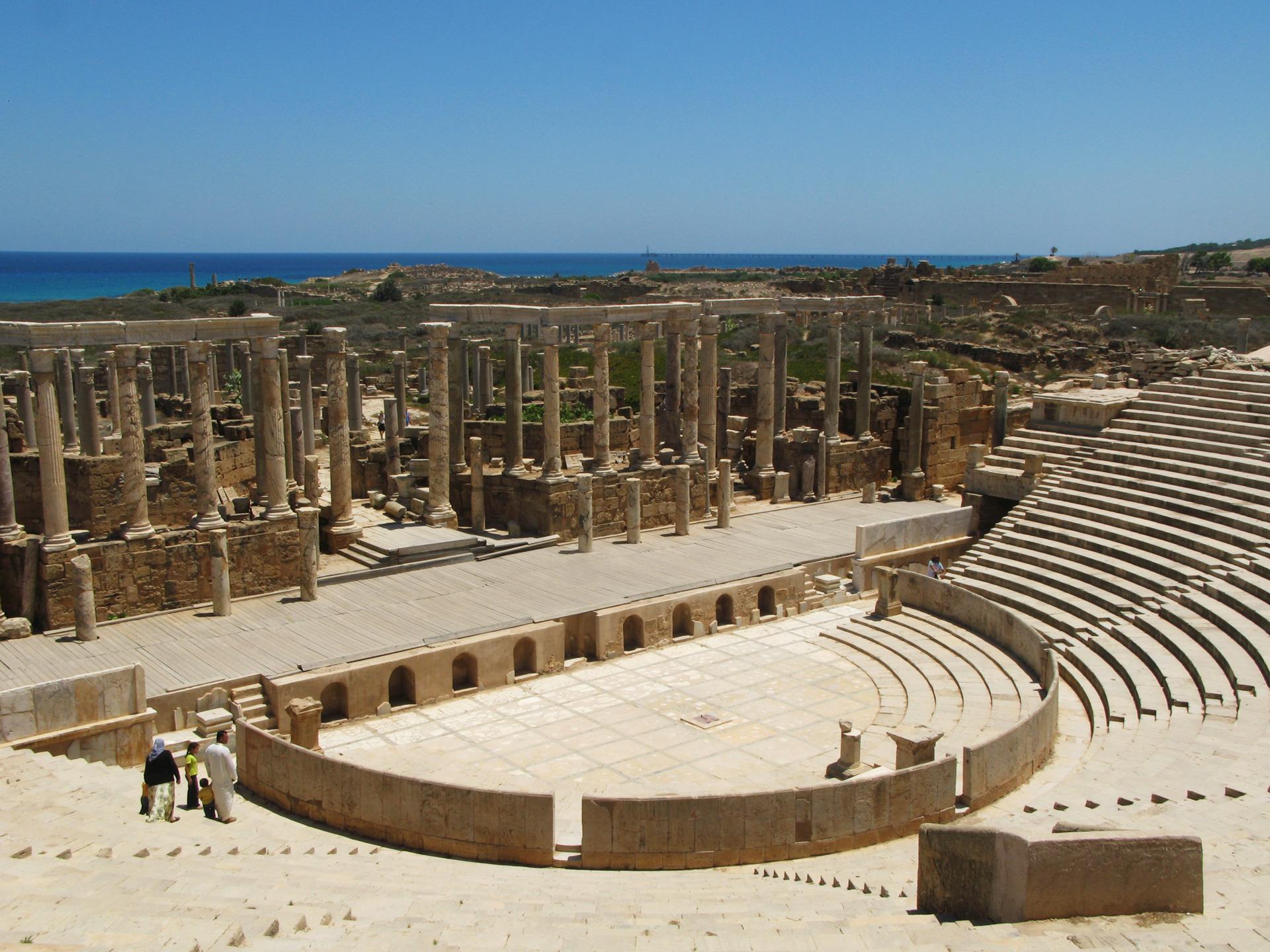 Amphitheatre, side view.