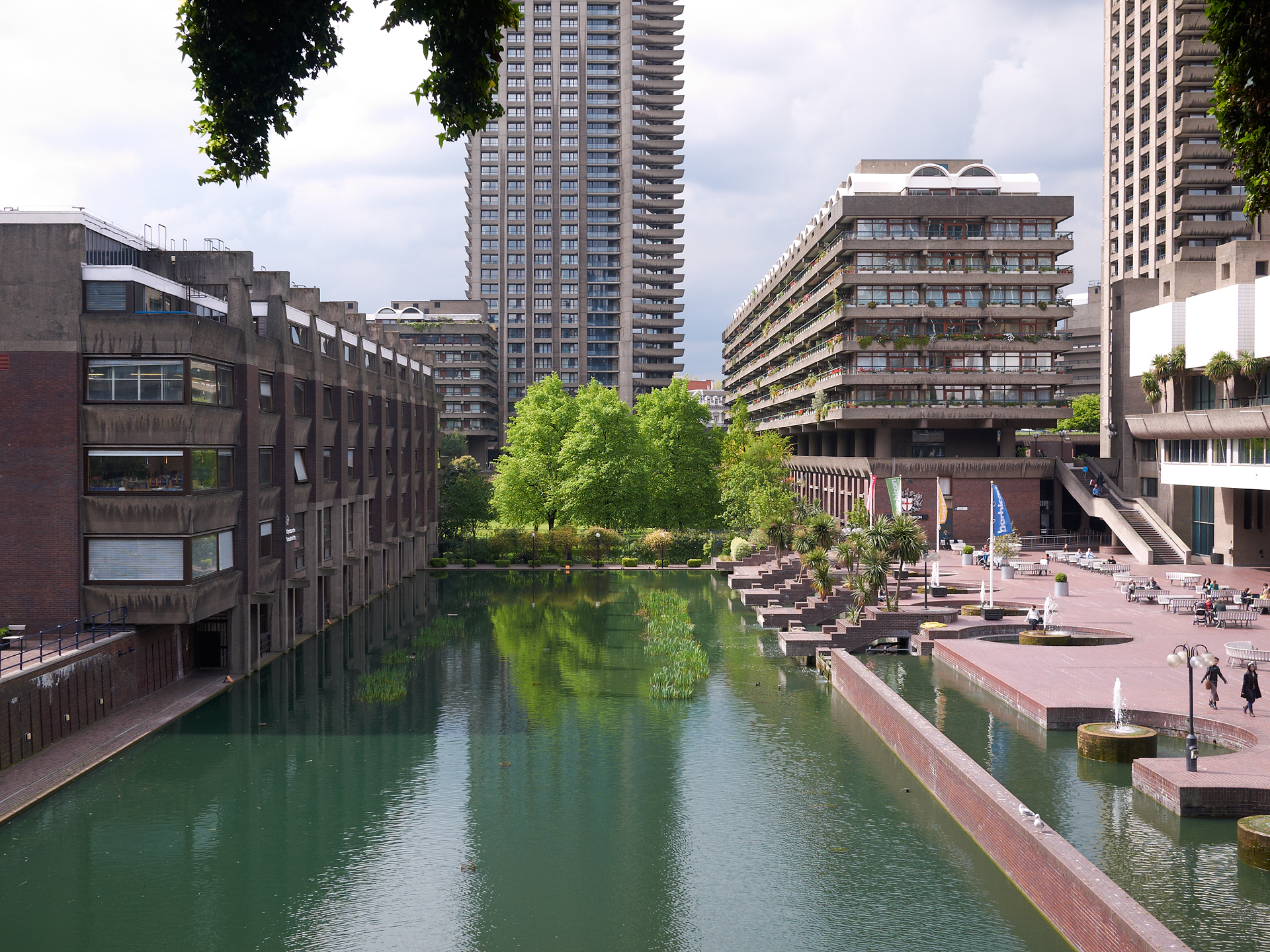 Barbican Estate, Chamberlin, Powell and Bon.
