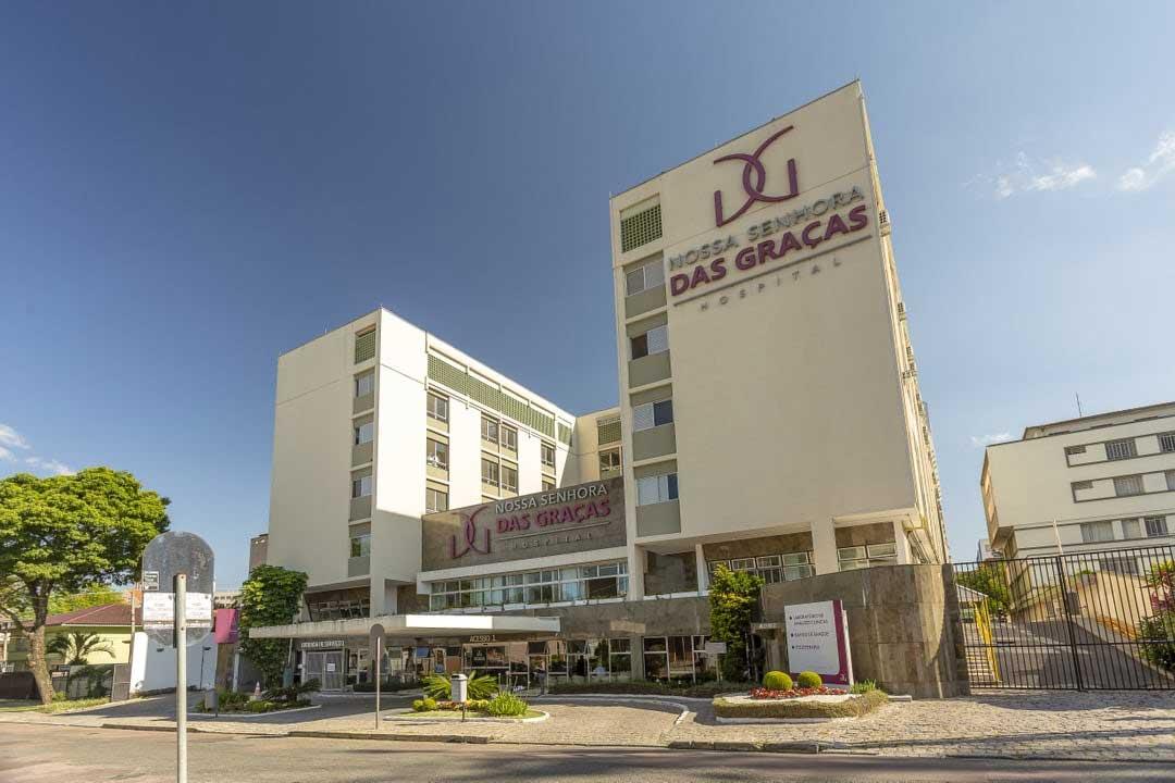 O Alba está localizado próximo ao Hospital Nossa Senhora das Graças, em Curitiba.