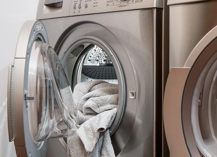 Cómo lavar un sombrero en la lavadora