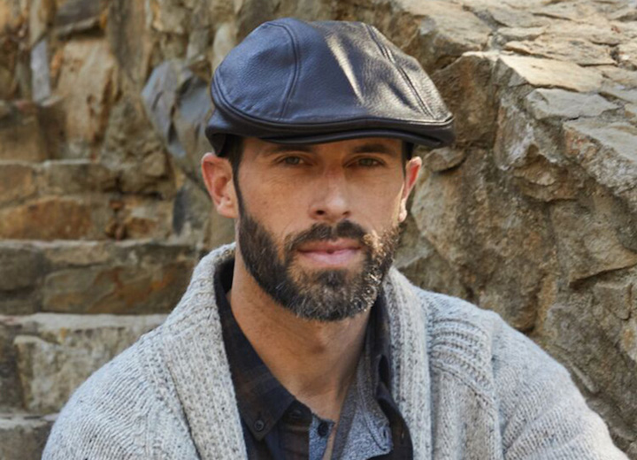 07bc68aa49a1e Newsboy Cap vs Flat Cap  Learn the Difference - Leather Flat Cap