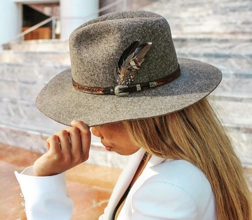 Feminine Finds: The Best Fedora Hats for Women