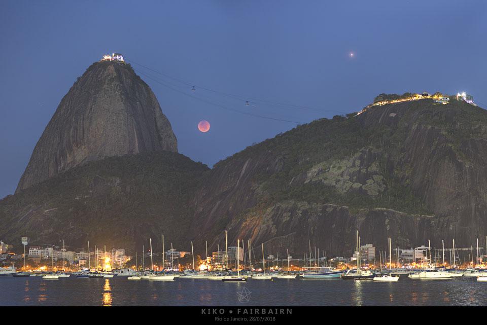 Éclipse lunaire sur Rio
