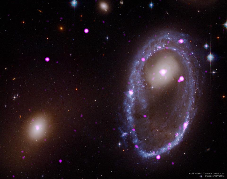 Une collision cosmique formant un anneau galactique