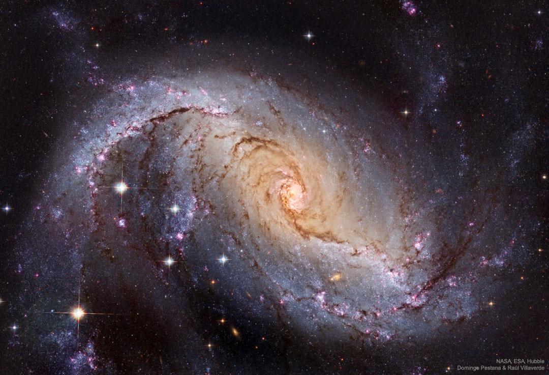 NGC 1672 : Galaxie spirale barrée depuis Hubble