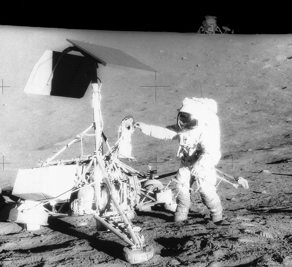 Apollo 12 rend visite à Surveyor 3