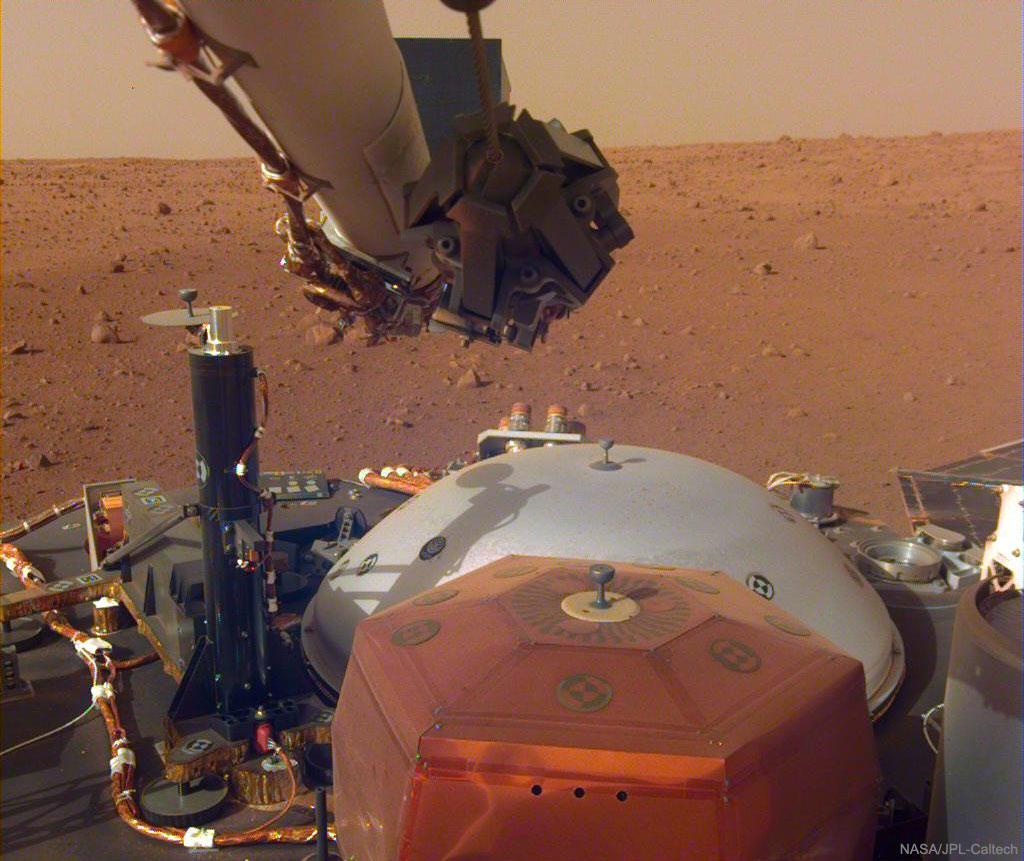 Son et lumière capturés sur Mars par InSight