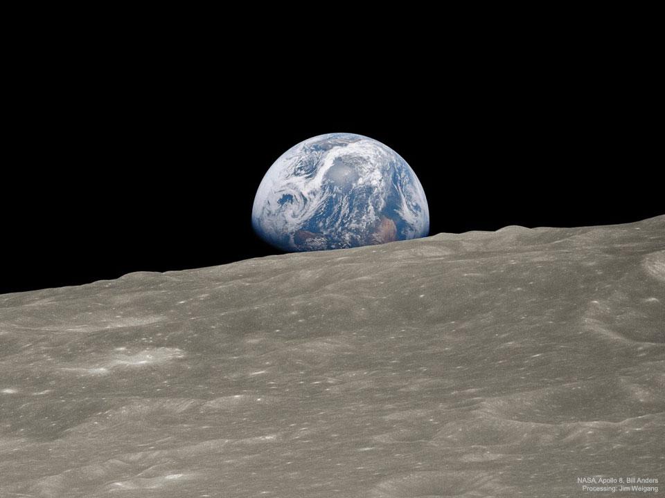 Lever de Terre : Image historique remasterisée