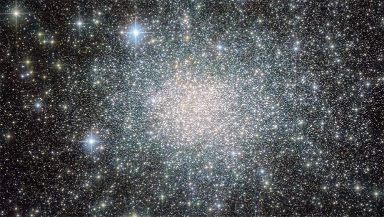 Zoom sur l'amas d'étoiles Terzan 5