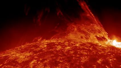 Une éruption solaire proéminente depuis l'Observatoire de la dynamique solaire