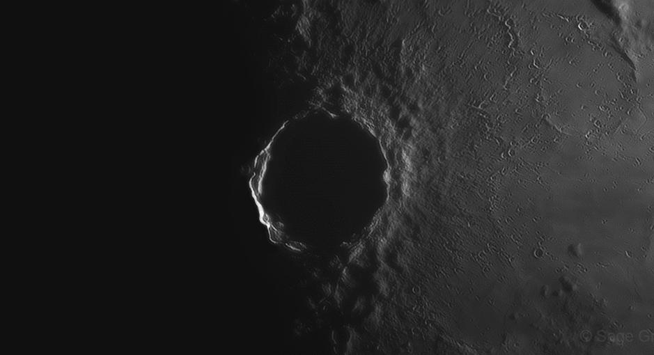 Lever du Soleil au cratère de Copernic