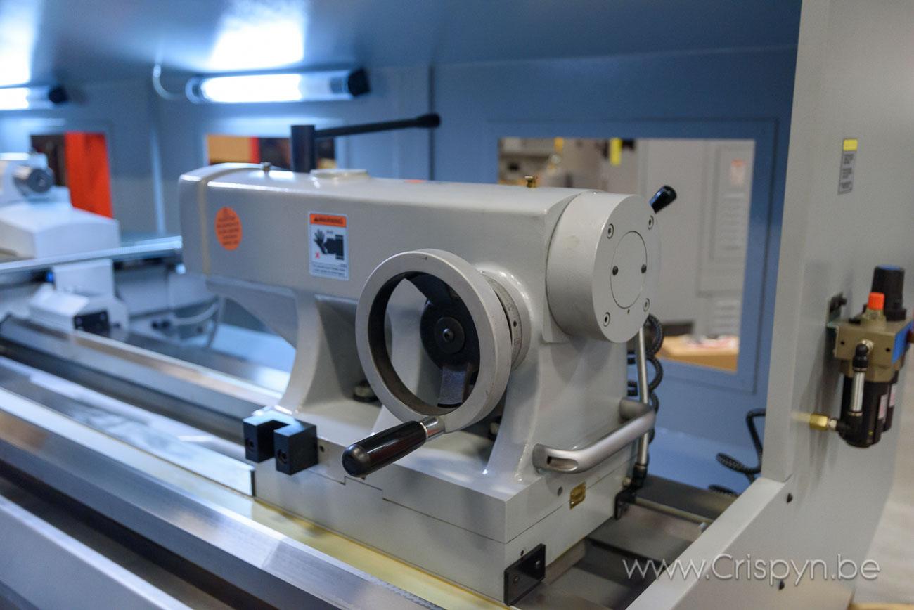 ProtoTRAK, Draaidiameter 560 mm, 3000 mm tussen de centers, Bedbreedte 500 mm6600 Kg