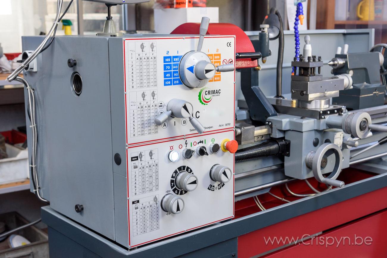 Draaidiameter 400mm, centerafstand 1000mm, doorlaat hoofdas:52mm, gewicht 900Kg