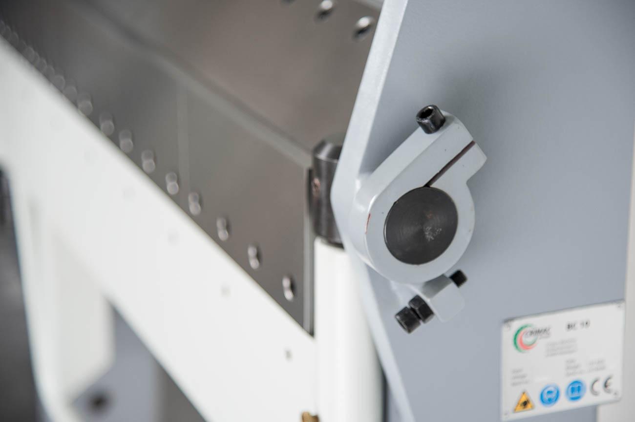 Dubbel gesegmenteerde vouwbank, capaciteit: 1000x2,5 mm.