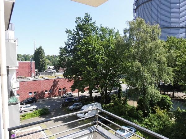 citywohnung heckinghausen mit aufzug und balkon ohne stufen errreichbar ontl immobilien wuppertal. Black Bedroom Furniture Sets. Home Design Ideas