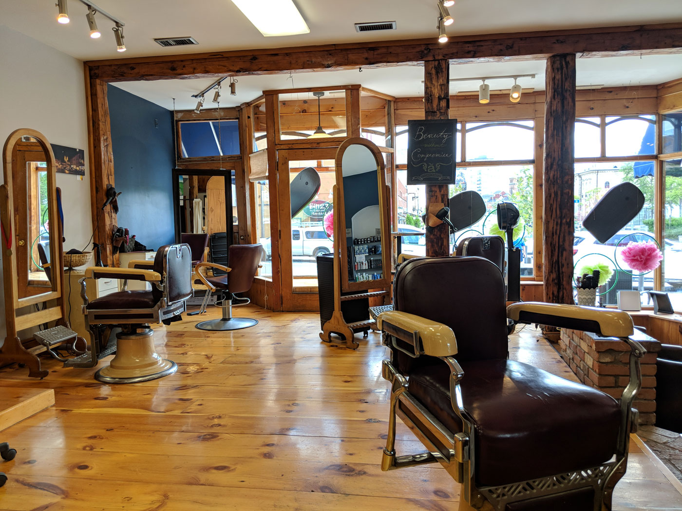 Apple Salon Interior