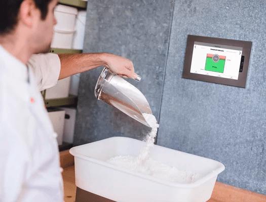 Bäckerei Produktion mit Abwägesystem