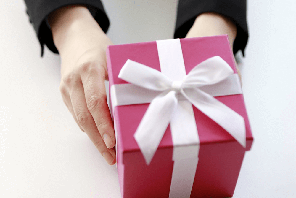 This Is How to Make Your Holiday Gift Matter to Customers- And Your Brand