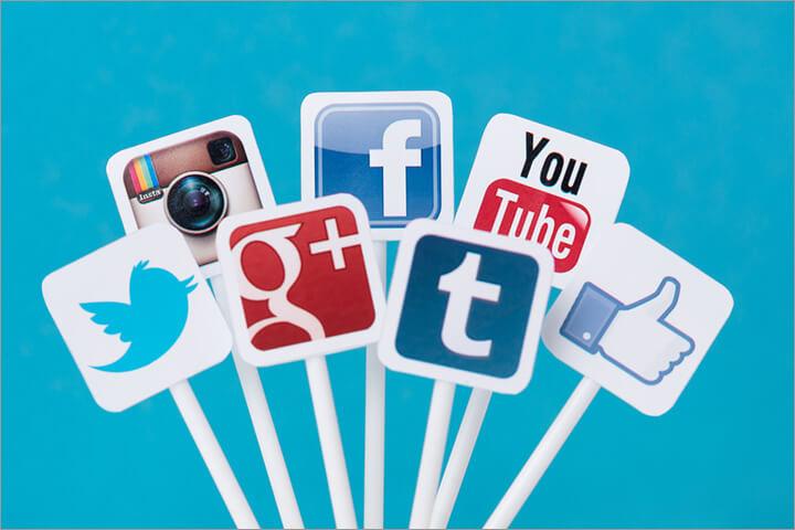 Verschiede Logos von sozialen Medien