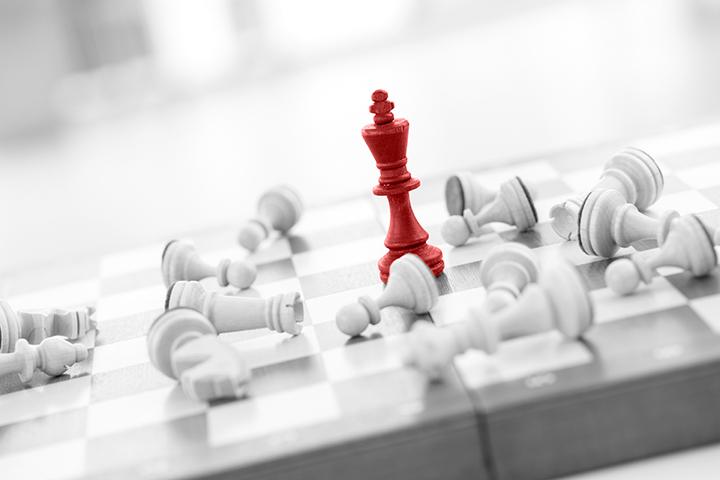 Werbeschaltung Schach Figur die herausstecht