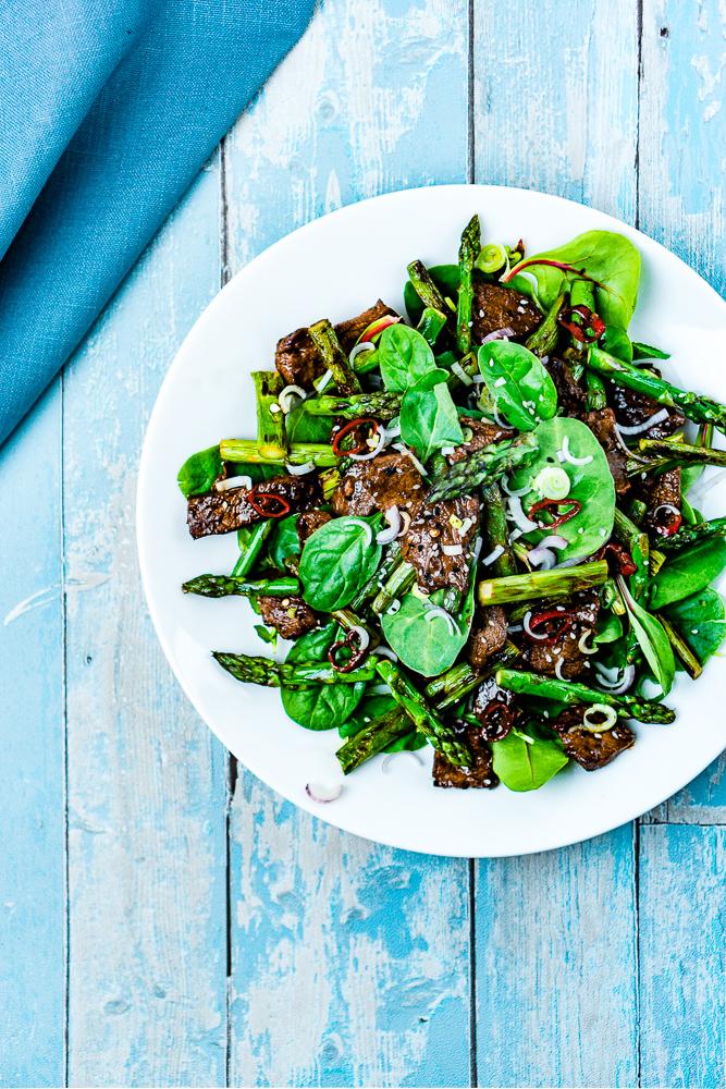 Lauwarmer Spargel-Rindfleisch-Salat