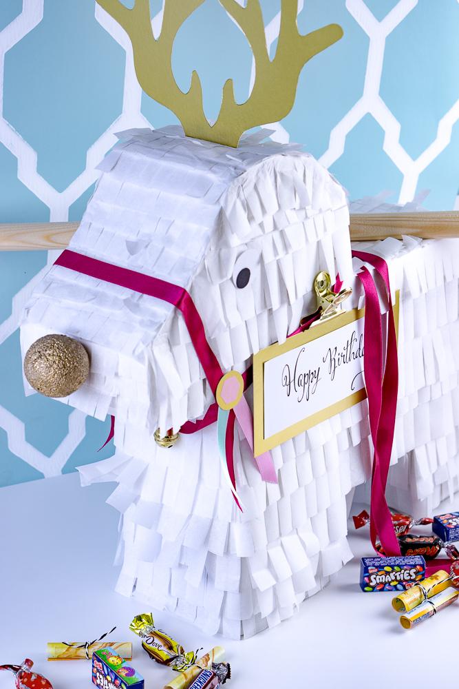 Rentier-Piñata zum Geburtstag