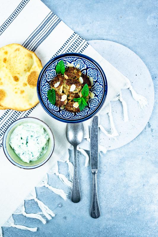 Couscous-Fleischbällchen mit Tsatsiki