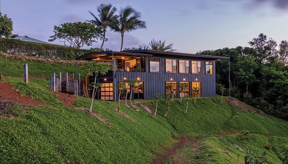 Off the Grid, on Maui