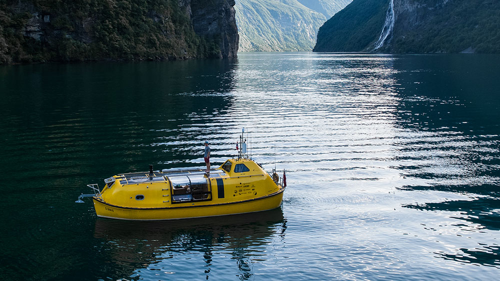 Stødig: How Two Architects Transformed a Ferry Lifeboat into a Home with Hygge