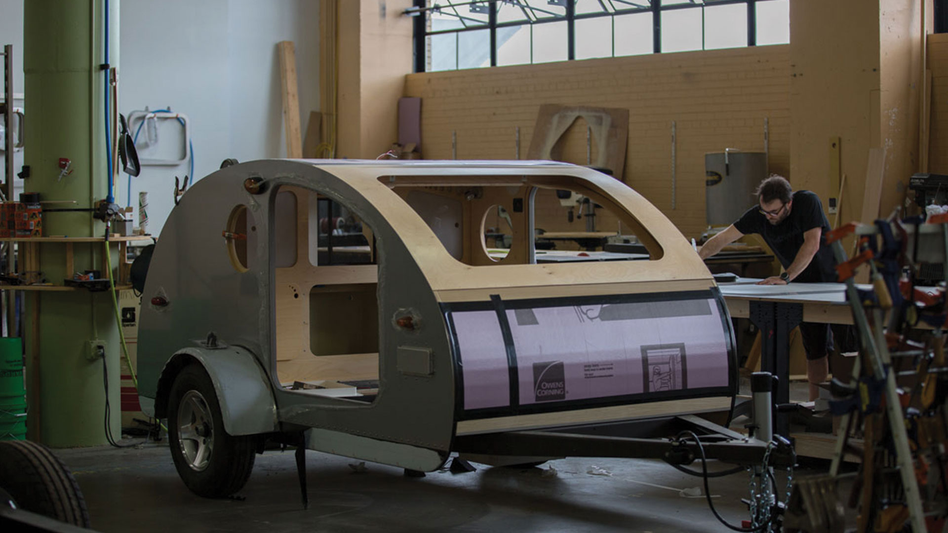 This Teardrop trailer uses Sunflare uses Sunflare thin, lightweight, flexible solar.