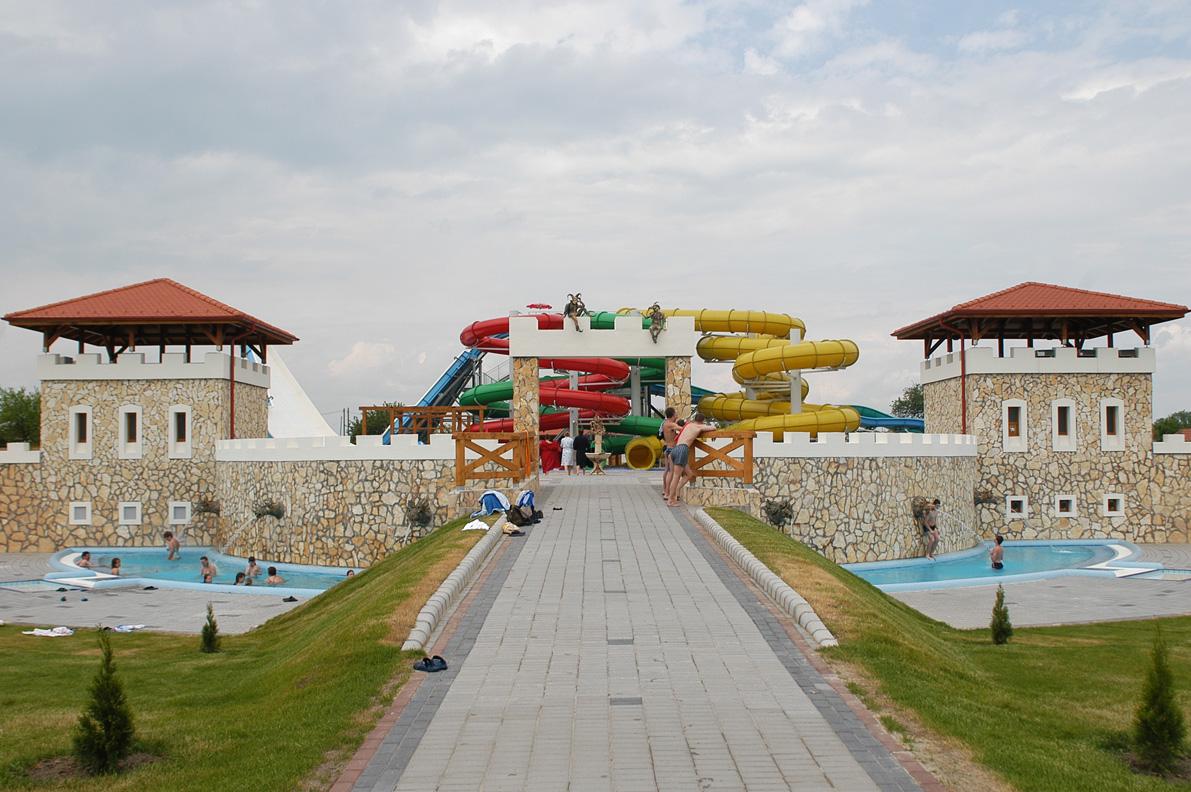Aquapark Cegléd Építészmérnök