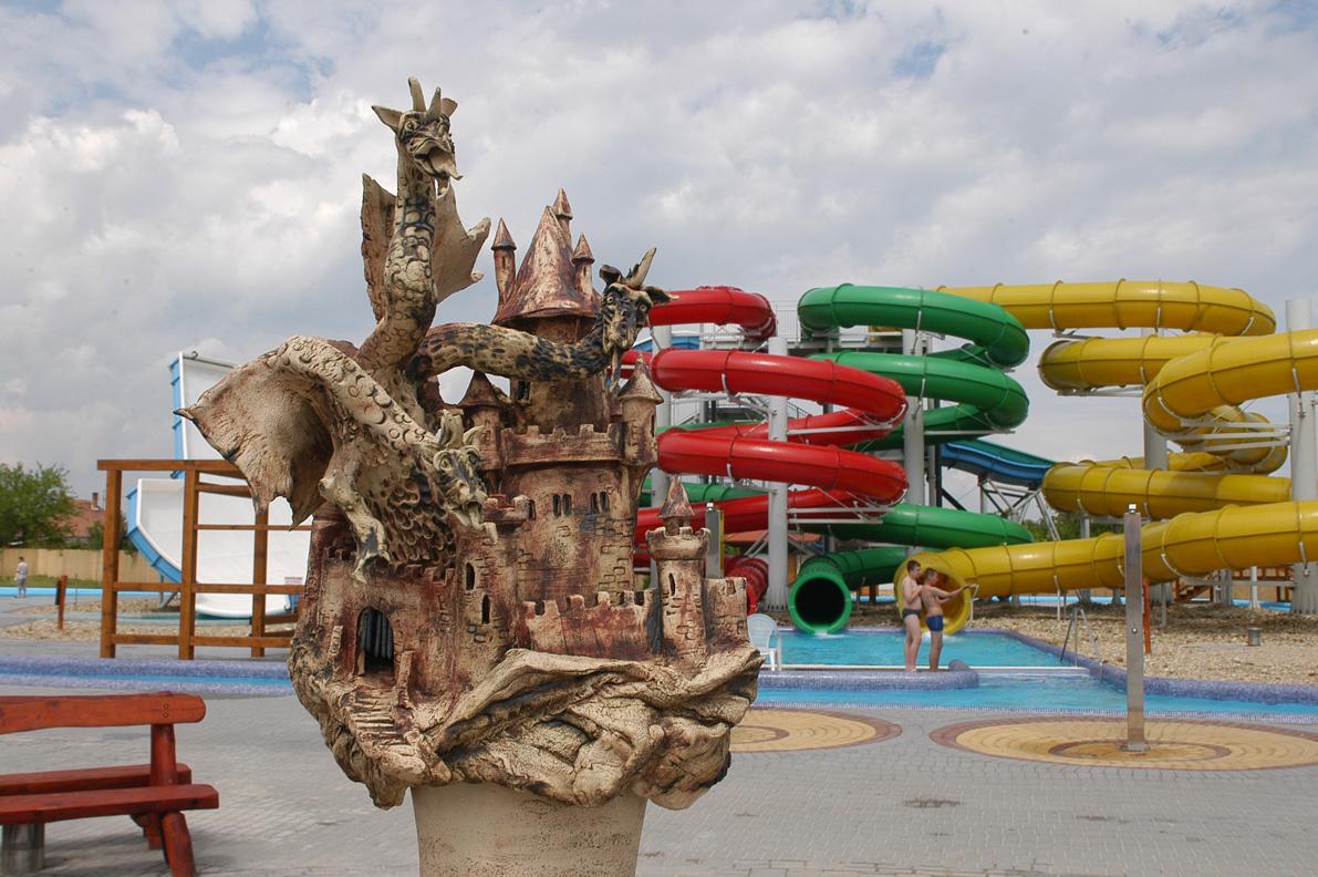 Aquapark Cegléd Építész