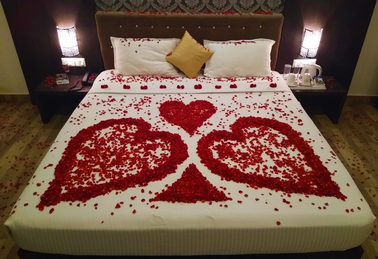 Honeymoon bed decor at SR castle