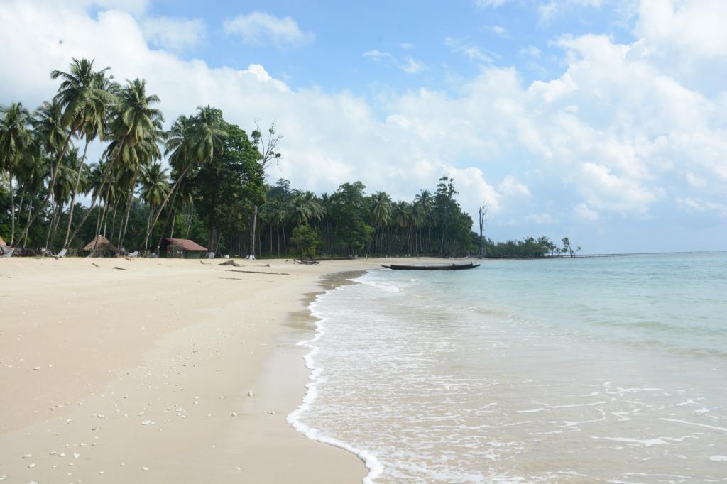 Cutbert Bay Beach in Rangat