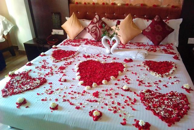 Flower Bed Decoration in SR Castle for Honeymooners