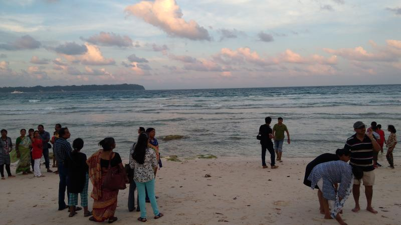 Tourists at Laxmanpur beach