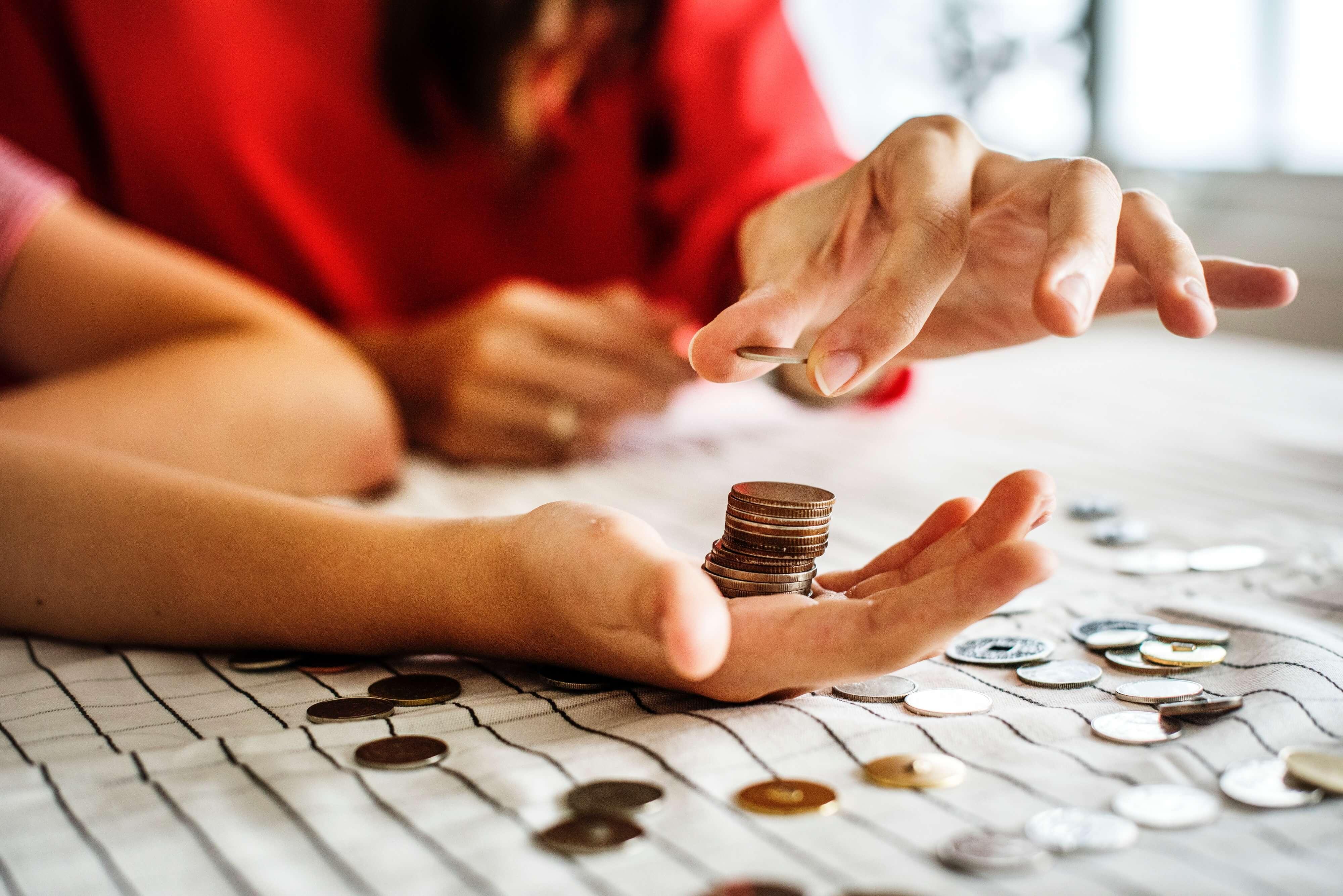 So bringst du deinen Kindern den Umgang mit Geld bei