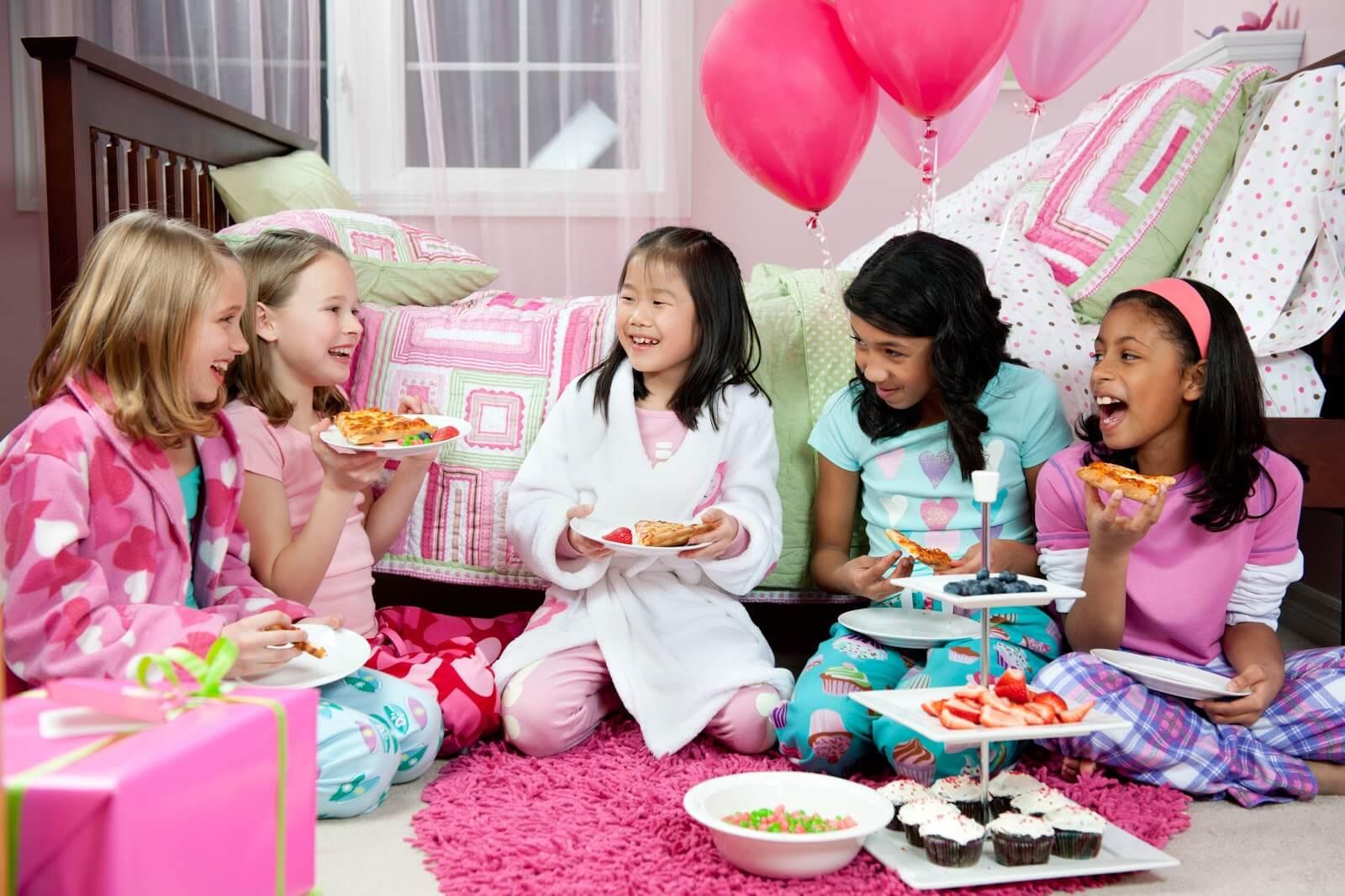 little girls, sleepover, party