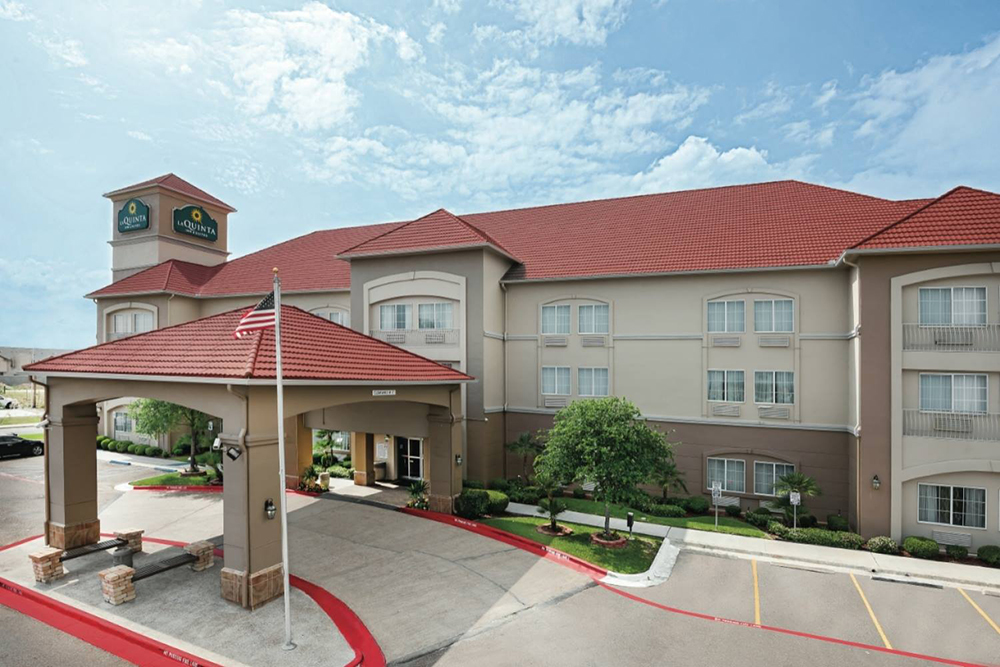 La Quinta Inn & Suites Exterior