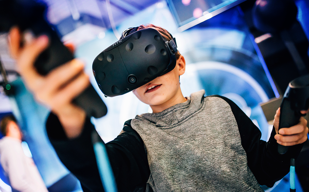 Playing with Virtual Reality, Experiential Marketing Campaign with VR Games. Chaos Theory Games are Immersive Technology, AR, VR and Mobile Experts
