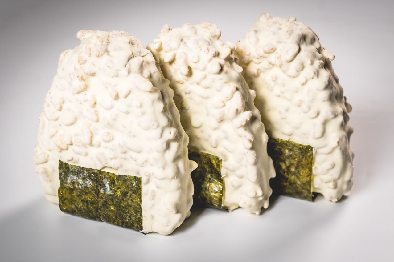 O-NO-GIRI – Green tea gelato & pistachio mousse dipped in rice bubbles & white chocolate