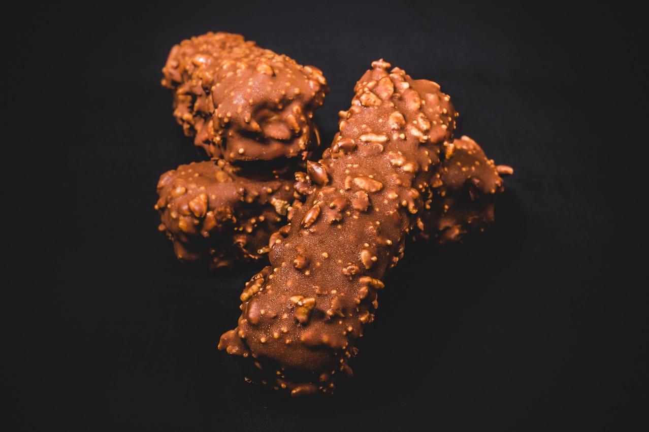 CHOKITOUTNOW – Caramel gelato, caramel fudge, rice bubbles & biscuit crumb covered in Messina milk chocolate