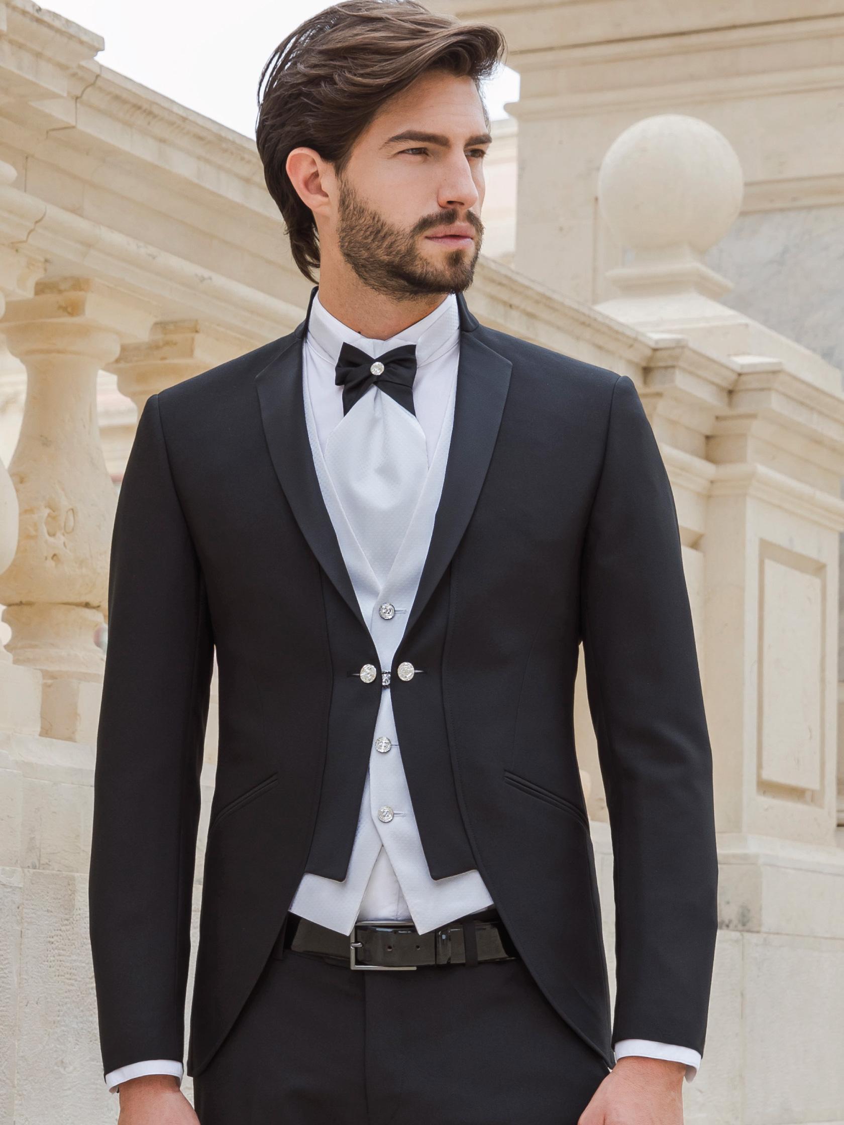 Collezioni Scribano - Abiti da sposo e da cerimonia 2019 - Privè -  Siciliano - Enzo Miccio 9e6d1041fa1