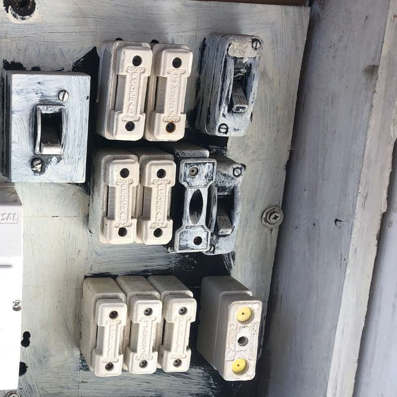 Old dangerous fuse board